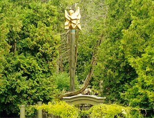 Angel installed in the Dial Gardens